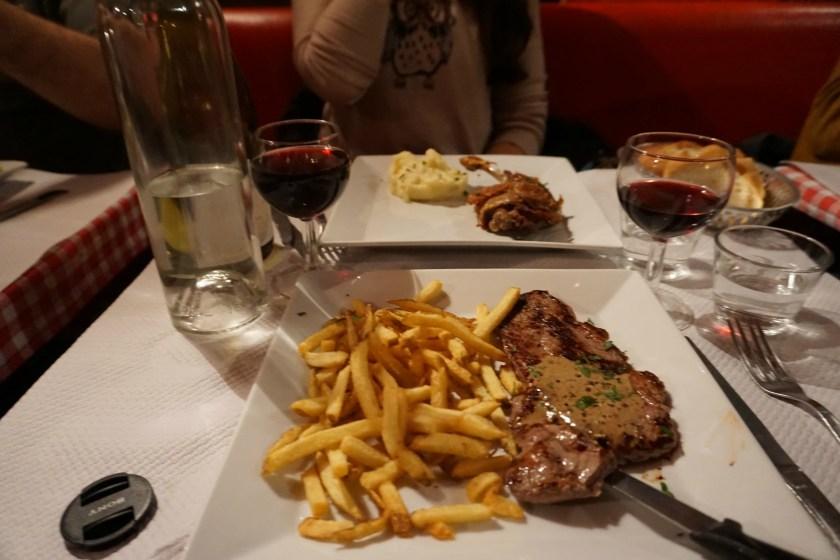 aux-artistes-steak-frites-duck