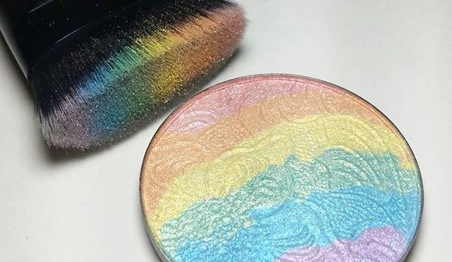Beauty Trend – Rainbow Highlighters