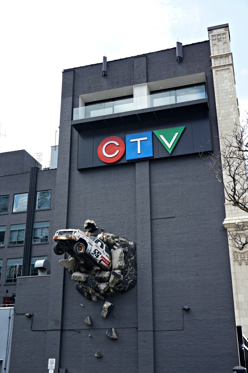 ctv-car-crash-building-toronto-queen-st-west
