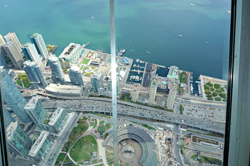 view-from-cn-tower-skypod