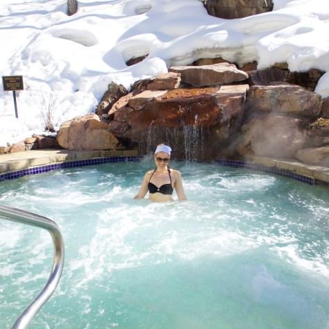 park-hyatt-beaver-creek-outdoor-hot-tub