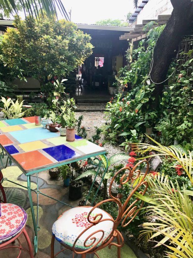 simon-says-garden-patio-san-juan-del-sur