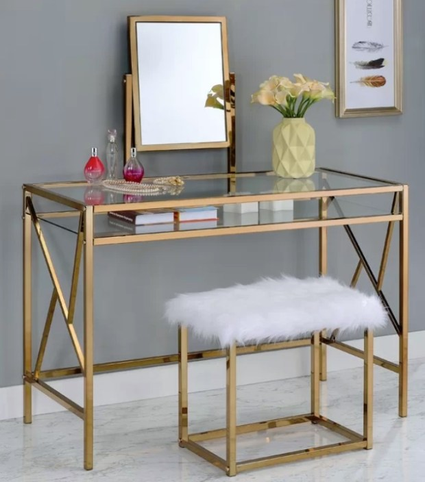 Enid Contemporary Vanity Set with Mirror  by Everly Quinn. Photo: Wayfair
