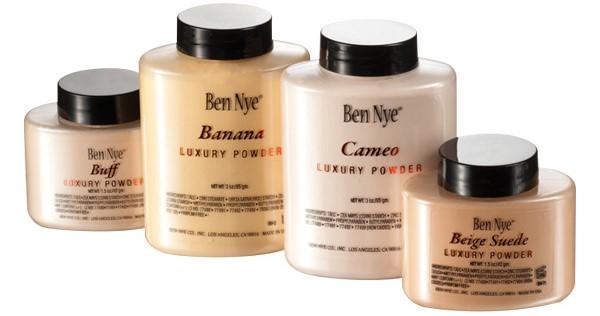 Ben Nye Luxury Powder Setting Powder in Banana