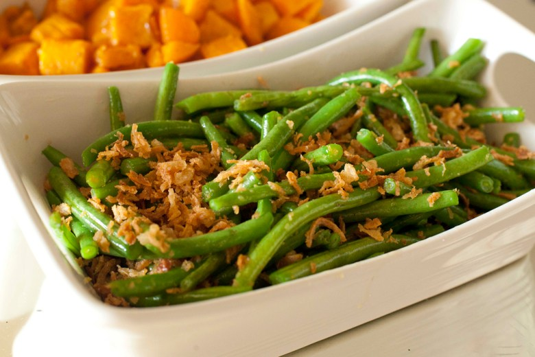 Simple sauteed green beans with crispy fried onions