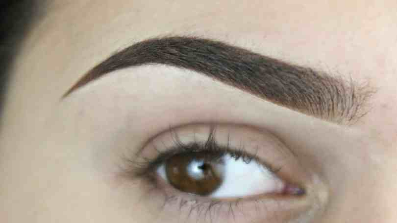 How To Define Your Eyebrows 4