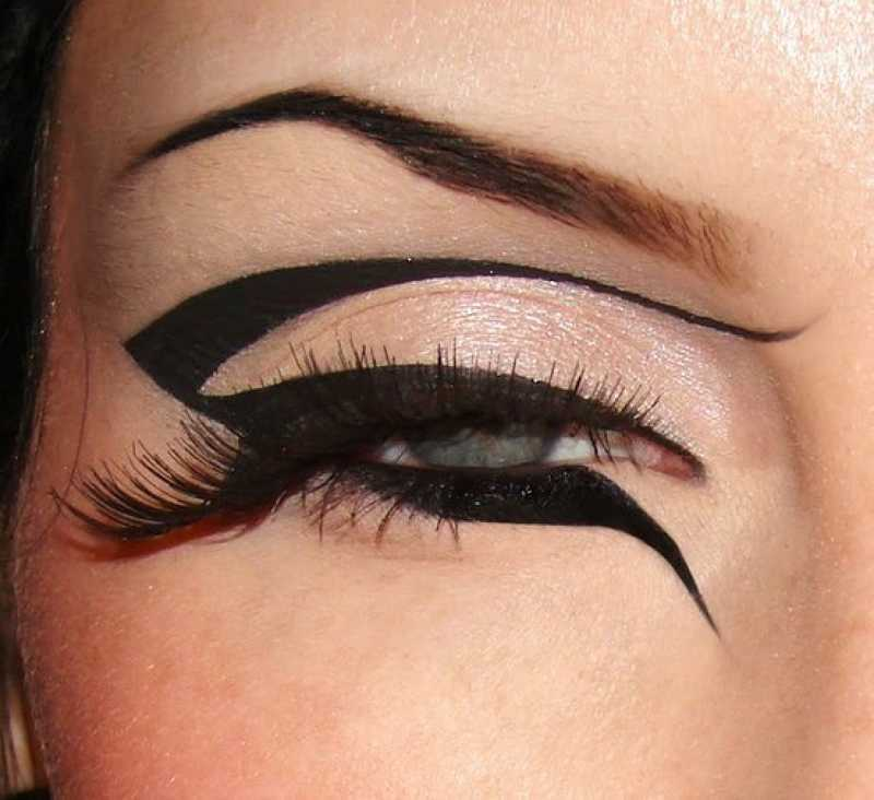 12 Chic Eyeliner Tips To Make You Stand Out From The Crowd 12