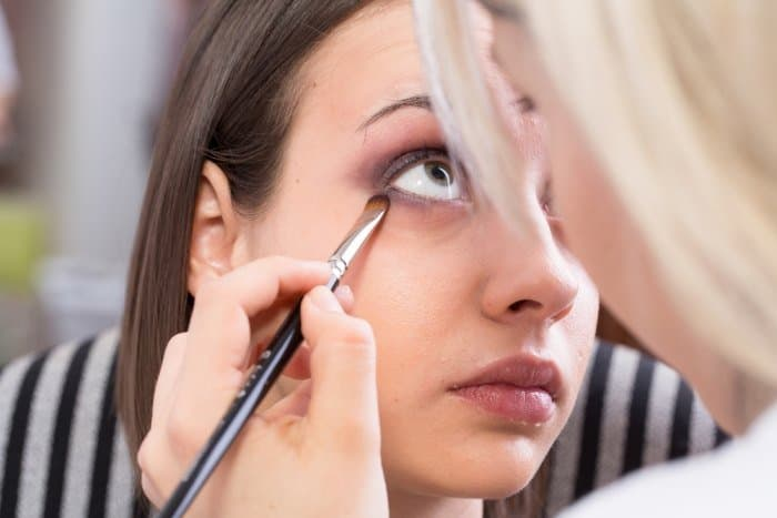 The 7 Essential Spots To Apply Eyeshadow For Achieving a Flawless Look 6