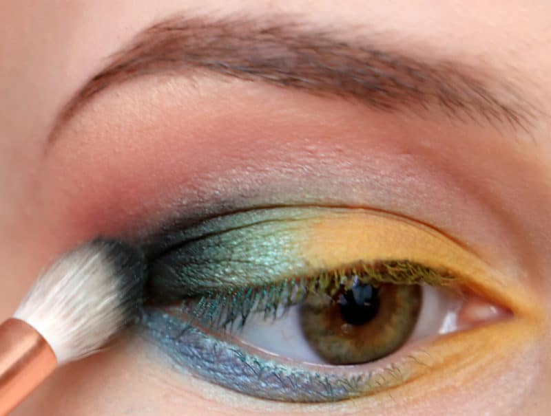 Eye Makeup Hacks That Every Beginner Needs To Know 7