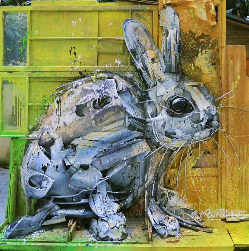 See How An Artist Turns Trash Into Animals So That It Depicts The Level Of Pollution. 4