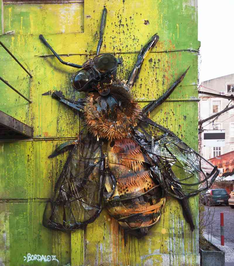 See How An Artist Turns Trash Into Animals So That It Depicts The Level Of Pollution. 6