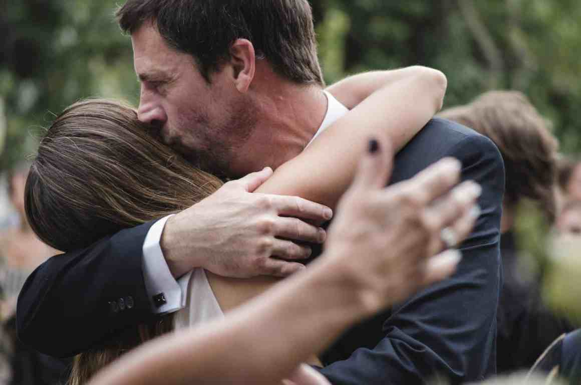 Check What Type Of Hug Reveals The Secret Of Your Relationship 9