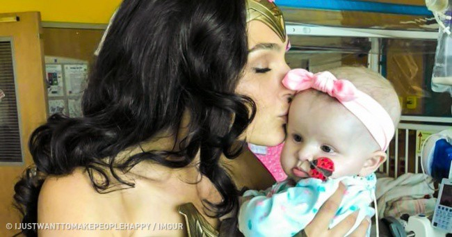 Gal Gadot Visit The Children Hospital By Taking A Special Off From Her Work 10