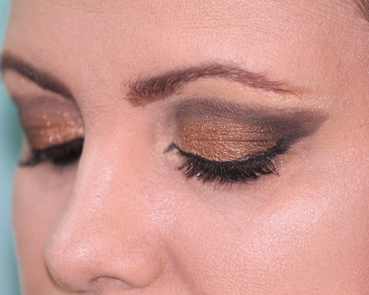 6 Best And Simple Makeup Tricks To Appear Beautiful 5