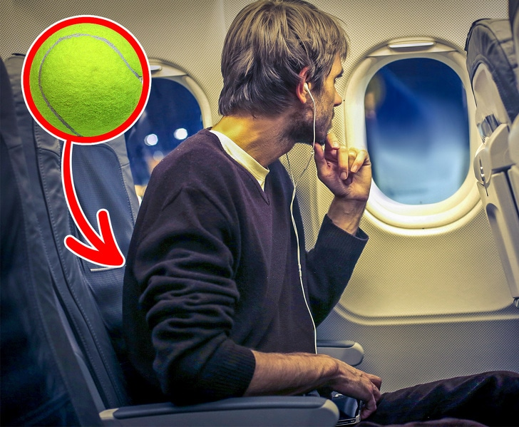 8 Ways to be more comfortable on a long flight