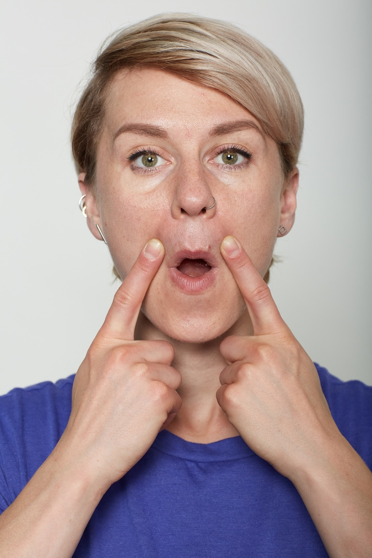 10 Basic Facial Exercises That Will Not Let You Visit To A Plastic Surgeon 7
