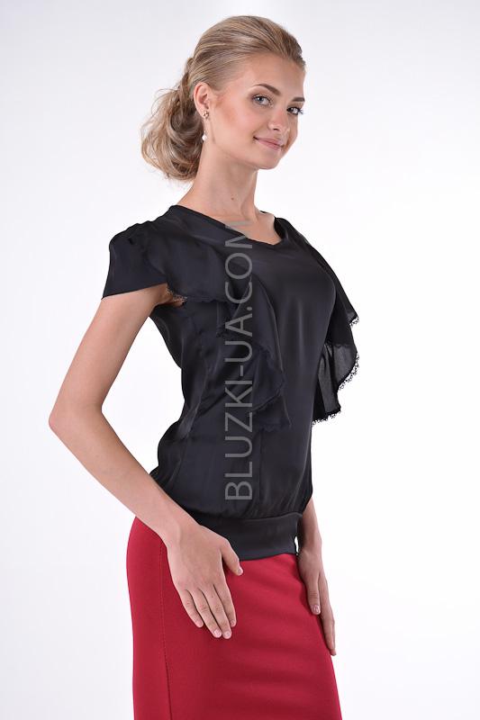Черная летняя блузка с небольшим напуском на талии рукавом ...