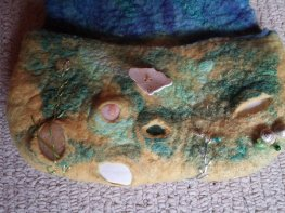 seashore felt purse wool silk shells 4 blythwhimsies 2015-12-01 14.59.18