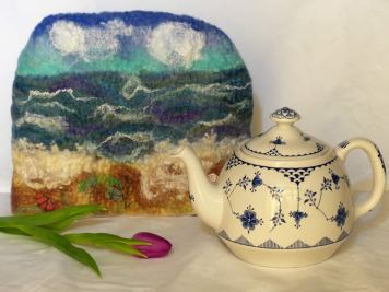 felted-tea-cosy-seaside-seashore-waves-shells-sea-glass-blythwhimsies-blyth-whimsies-2017-02-24-10