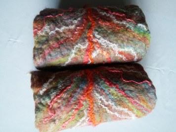 leaf-wristwarmers-felt-handmade-blythwhimsiesa