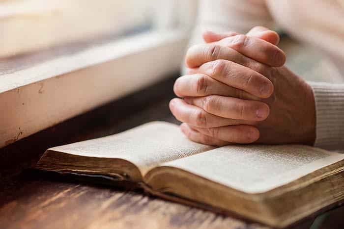 Всеукраїнська Ради Церков і релігійних організацій  закликає до загальної молитви і посту за Україну
