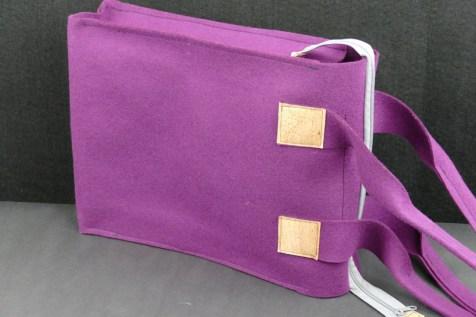 violetter Shopper aus Wollfilz und Korkk