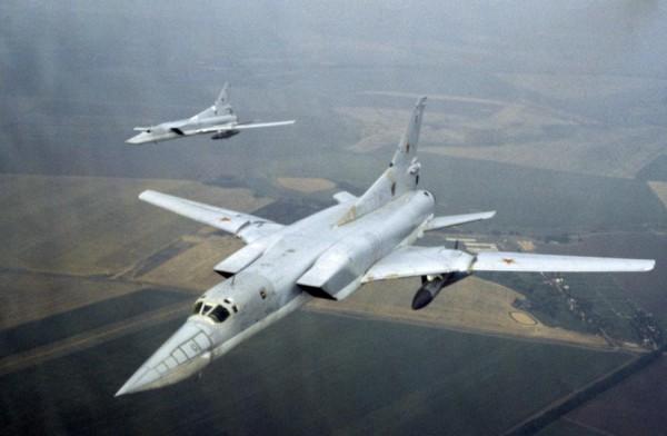 Над Крымом видели несколько десятков военных самолетов