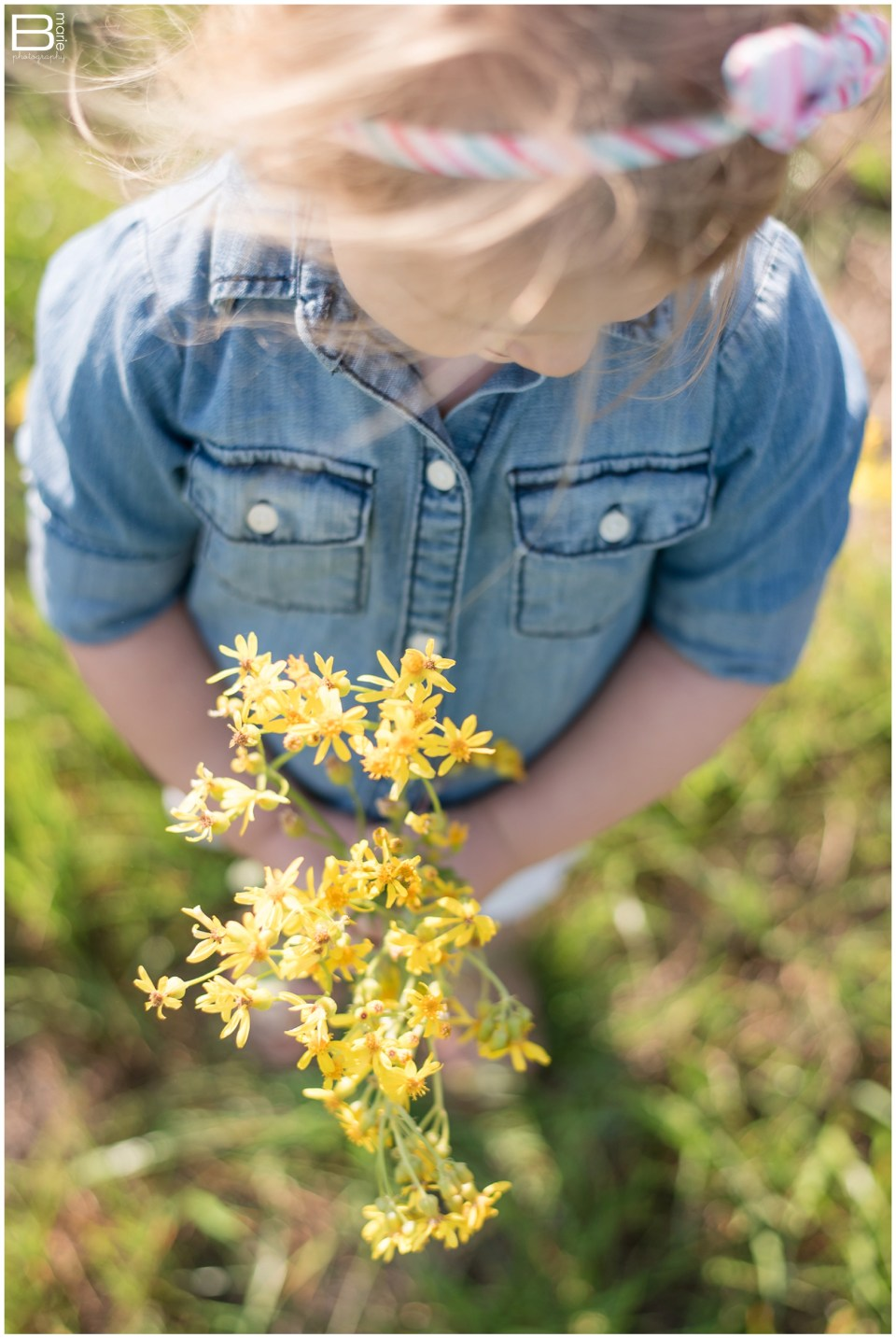 Nacogdoches photographer images of picking wildflowers with daughter, Peanut