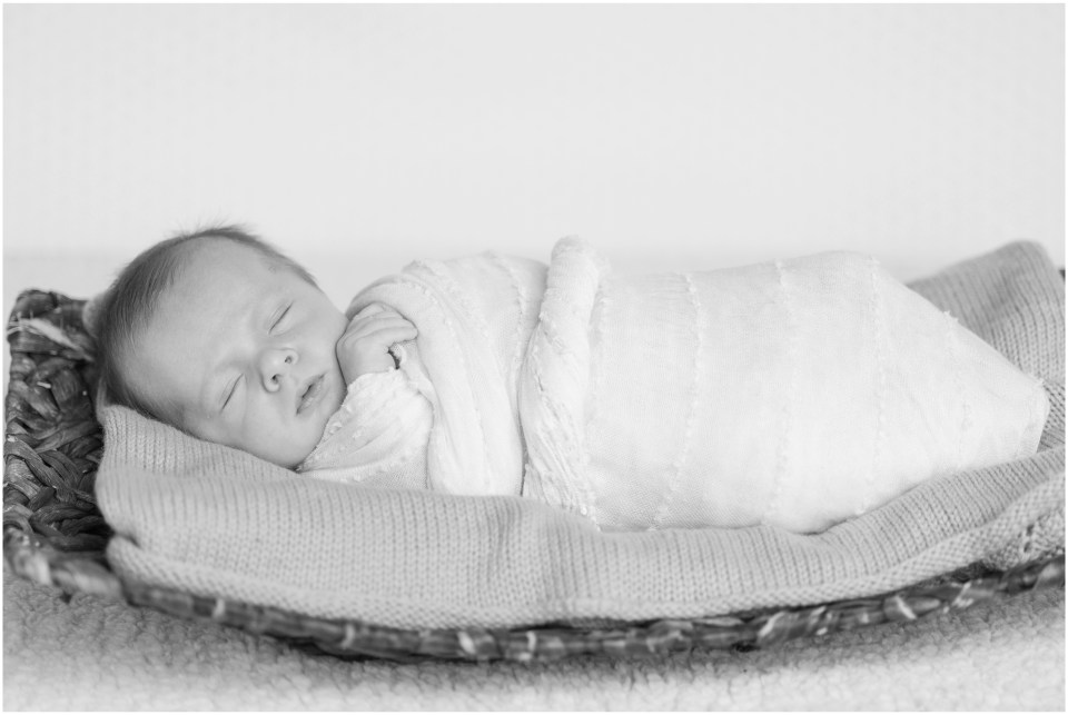 Kingwood photographer - at home newborn portrait session for baby boy