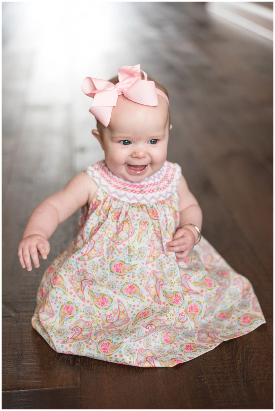 Kingwood family photographer - portrait session with 6 month old baby girl and family