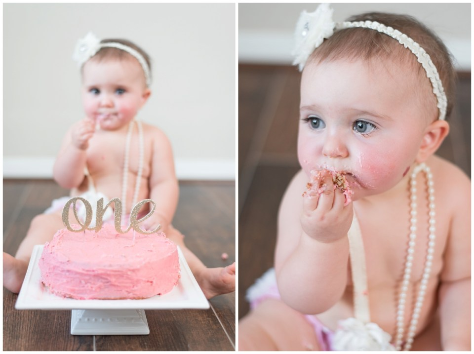 Houston photographer's 1 year portrait and cake smash session with milestone portrait client, Emily