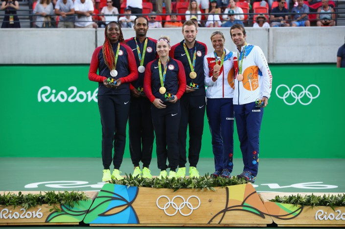 Mixed Doubles Medal Ceremony Group Photo | Rio 2016 Olympics
