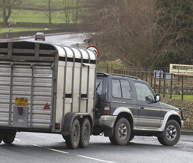 Know Your Limits 4x4 Trailer Towing Regulations Insights Farmers Guardian
