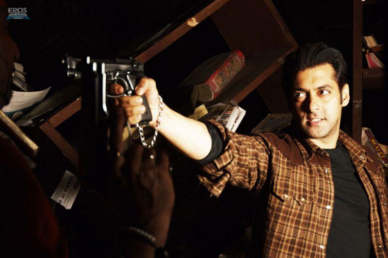 ভারতীয় চলচ্চিত্র মুক্তির প্রতিবাদে আন্দোলন
