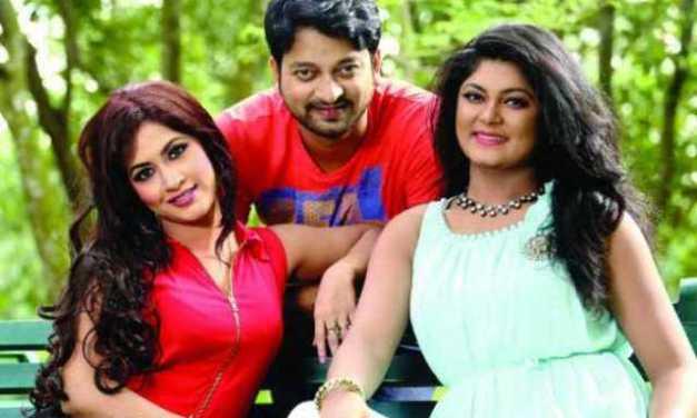 'ব্ল্যাকমানি'র বিরুদ্ধে সাইমন, কেয়া, মৌসুমী