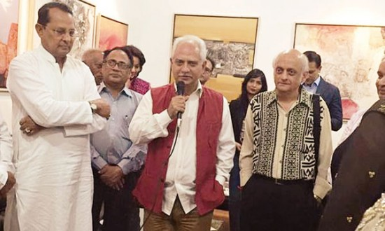 Mukesh bhatt and romesh sippi bollywood filmmakers are in bangladesh