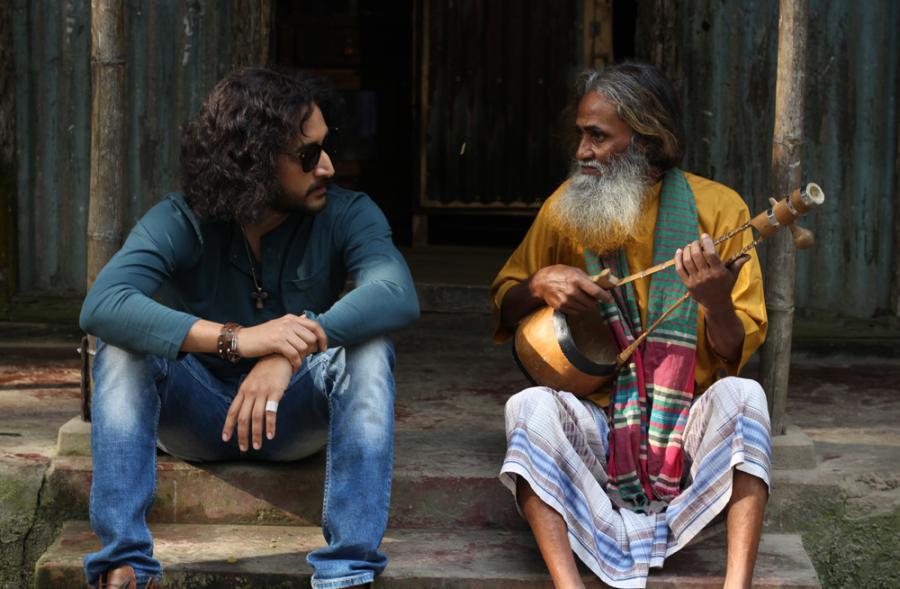 'আজব কারখানা'য় রকস্টার পরমব্রত, চলছে শুটিং