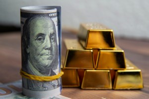 Inflation And Gold In The 1970s  Vs. Today's Situation | BullionBuzz | Nick's Top Six