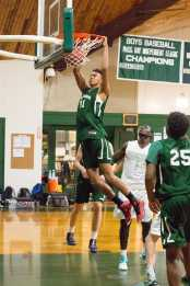 Isaiah Fontaine '16 makes it look easy. Photo by David Barron.
