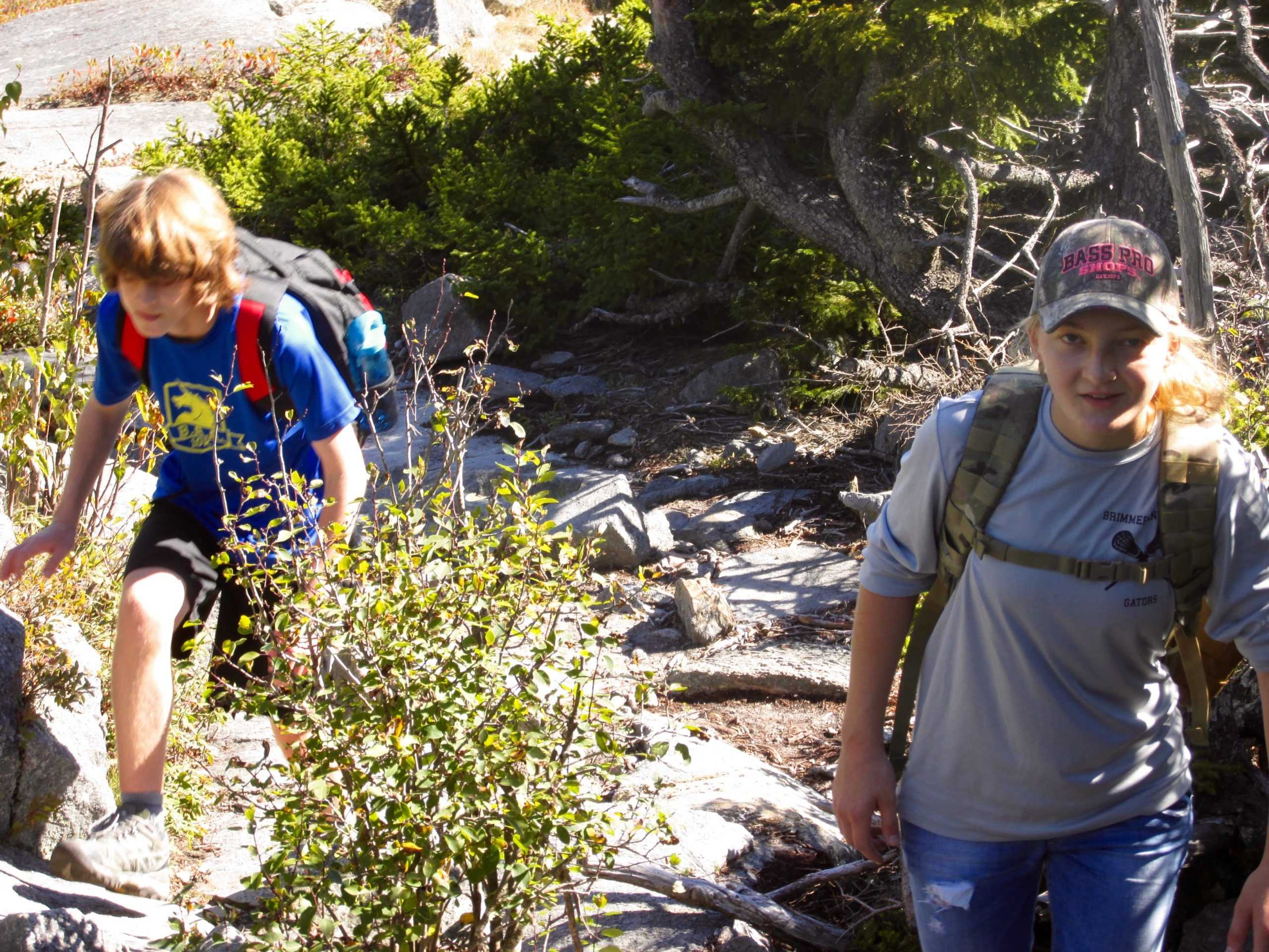 Students+learned+leadership+skills+working+together+in+the+wilderness.+