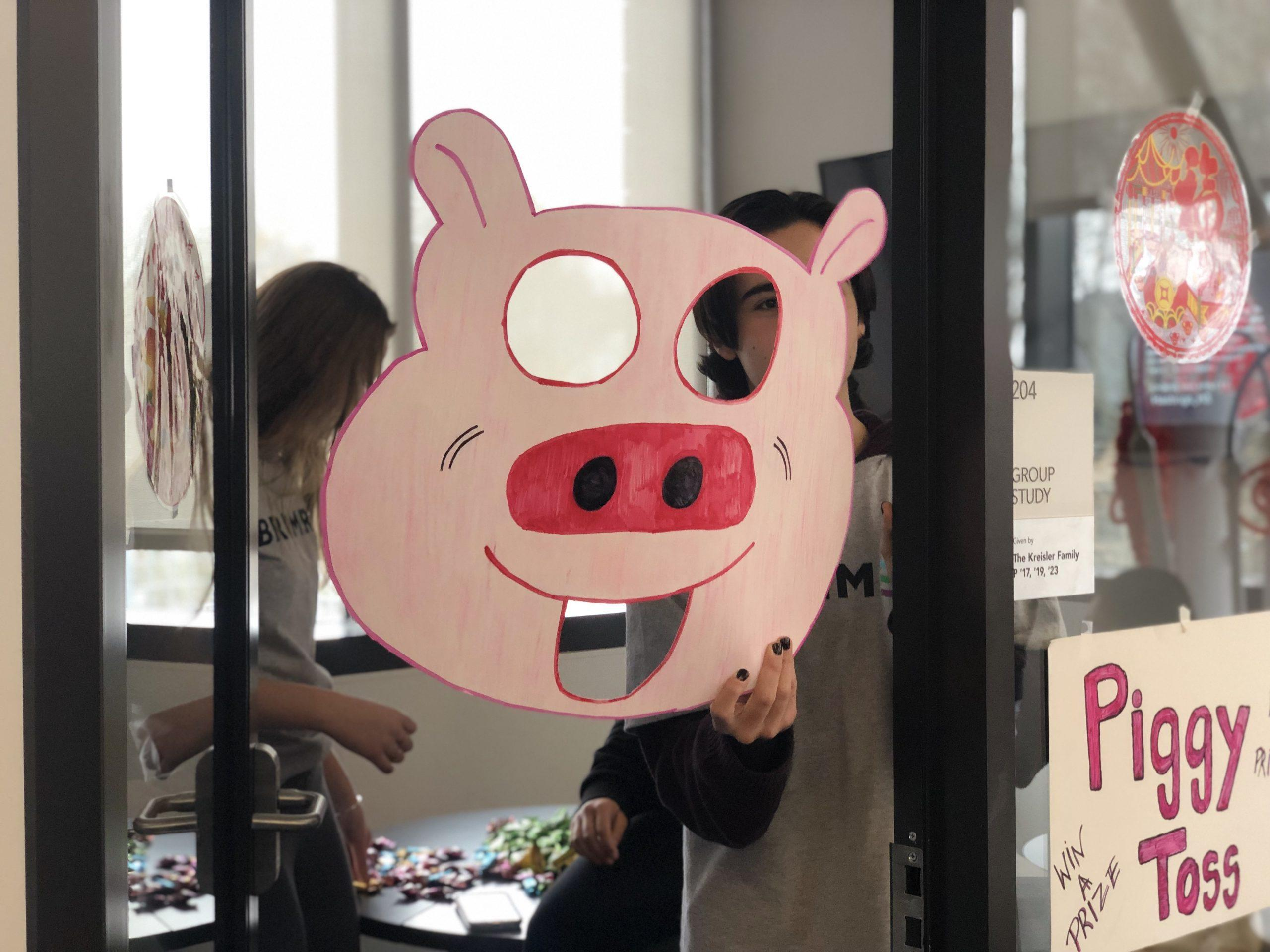 The+annual+event+attracted+large+crowds+to+celebrate+the+Year+of+the+Pig.+