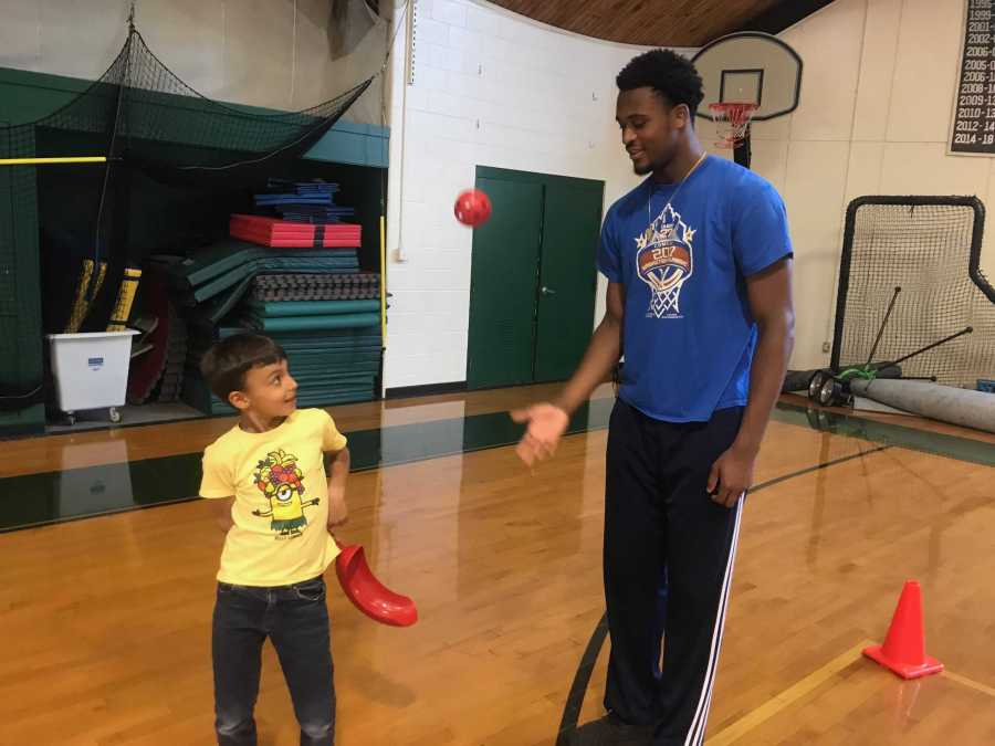 Jordan Minor '19 interned with Athletic Director Jeff Gates for his Senior Project, helping in a Lower School gym class.