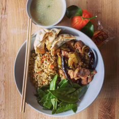 Kung Pao Chicken, Fried Rice, Steamed Snow Peas, Vegetable Jiaozi, Mandarin Oranges and Fortune Cookies. Photo courtesy of the @brimmer_eats Instagram.