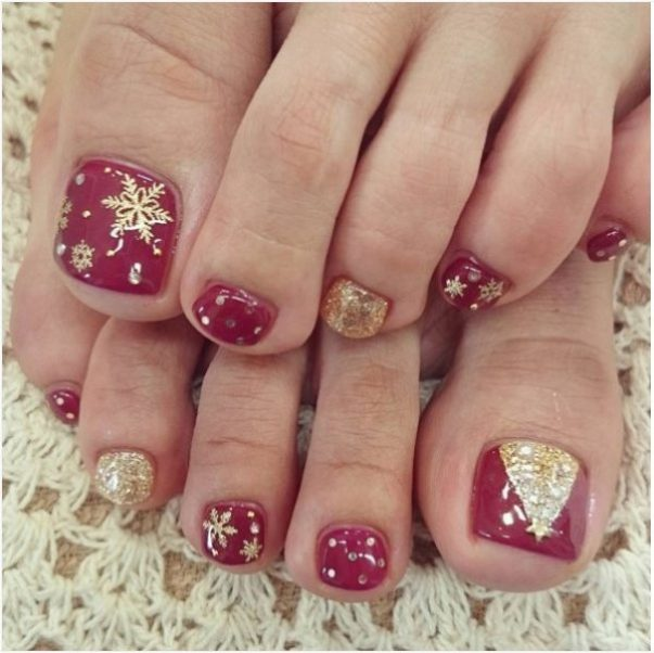 Christmas Tree Nail Art Noodles Polish Mistletoe Red And White Nails With