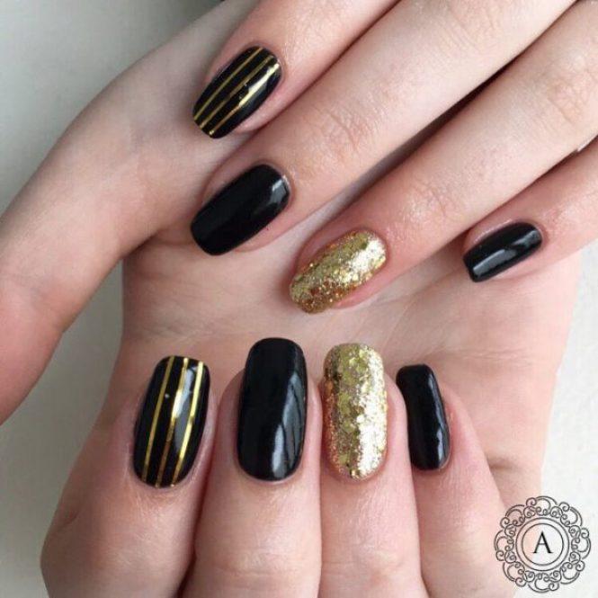 Nail Art Black And Gold