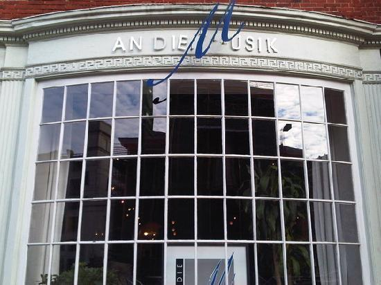 An-die-Musik-venue-photo
