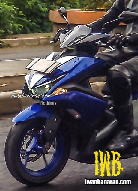 Yamaha-NVX155-Racing-blue