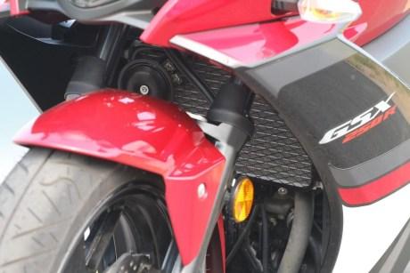 suzuki-gsx-250r-merah-strip-hitam-bmspeed7-com_4