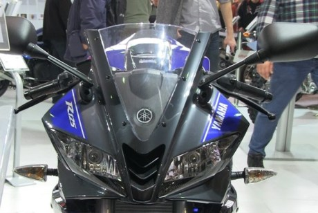 Headlamp Yamaha R125 2017 Sudah ada Air Scoop berdesain kisi kisi