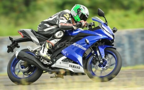 All-new-Yamaha-R15-Racing-blue